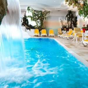 Schwimmbad - Alpen Hotel Corona