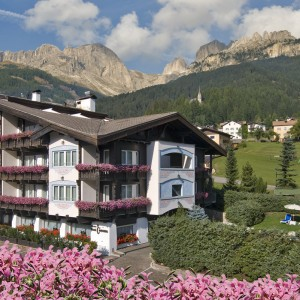 Alpen Hotel Corona in estate